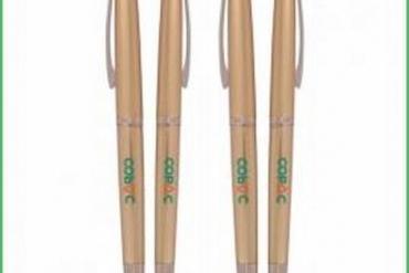 Tại sao nên chọn bút bi học sinh đẹp của Quà Tặng Phú Mỹ