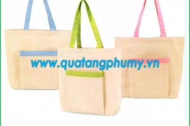 Chọn ngay công ty sản xuất túi vải uy tín cho chương trình quà tặng của bạn