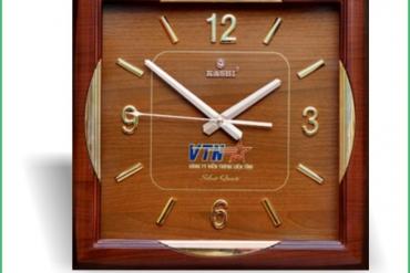 Lựa chọn đồng hồ treo tường in logo làm quà tặng